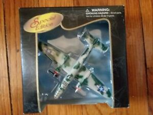 1997 MAISTO AIRFORCE SPECIAL EDITION DIE-CAST B-25J MITCHELL UNIQUE PAINT SCHEME