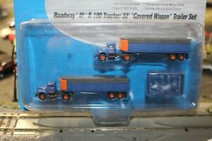 2@ROADWAY INT. R-190 RTR TRACTORS  AND 32FT FLATBED TRAILERS  N SCALE RTR BLUE