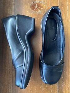 NWOB Dansko Black Leather Wrapped Toe Wedge Slip-On Size 37 (6.5-7 US)