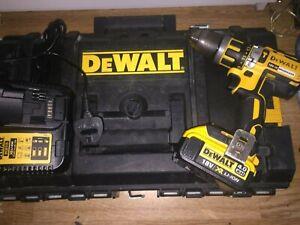DeWALT XR 18v Brushless  Combi Drill + Battery/Charger/Case
