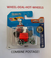 Hot Wheels (2015) Snoopy (peanuts) sealed on short card - Hw Screen Time - MOC!