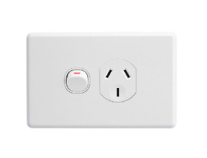 Clipsal C2015 Single Switch Socket Power Point Outlet Classic 250V ac 10A White