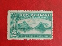 1902-03 NEW ZEALAND POSTAGE STAMP 2/- used