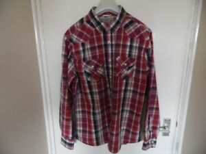 Gents Multi colour Long Sleeve, Collared, Button Up, Check Shirt Size L