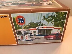 Tyco Lighted Service Station Ho Scale. No. 943 UNION 76. VINTAGE BUILDING W/ BOX