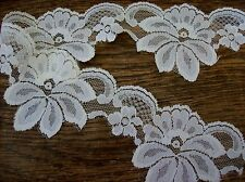 Flower Lace 2-3/4 Inches Wide, Off White / Ivory Lace
