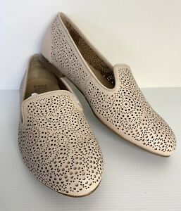 NEW Ziera Cindy Leather Loafers Beige / Nude Laser Cut Almond Flat Size 40.5XF