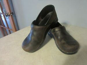 Dansko Brown Leather Occupational Clogs Mens Size 42 GUC