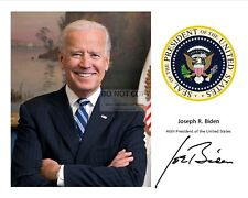 JOE BIDEN WITH THE PRESIDENTIAL SEAL AND HIS SIGNATURE* - 8X10 PHOTO (RP-117)