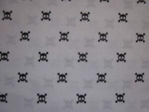 Max Studio Black Skulls and Crossbones Twin XL Sheet Set Halloween Scary