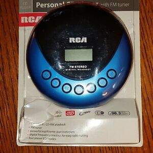 RCA PERSONAL CD PLAYER WITH FM TUNER - NIP