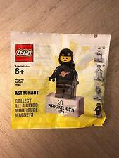 LEGO Bricktober 2011 Classic Space Black Astronaut Minifigure Magnet Polybag New