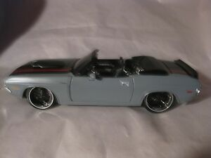 Custom Shop 1970 Dodge Challenger R/T In A Gray & Black 124 Scale Diecast  dc544