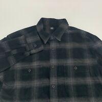Uniqlo Men Long Sleeve Flannel Shirt Size S BLack Plaid Long Sleeve Woven Casual