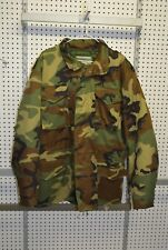 New M-65 woodland camo jacket size large removable lining (refbte#73)