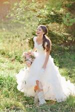 Modest Cowboy BOOTS Country Lace Wedding Dresses Skirts V Neck Bridal Gowns