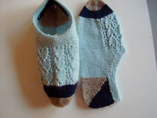 Socks -Chaussettes  Hand knitted (Quebec)  Light weight wool  Sz Med  (6 to 8)