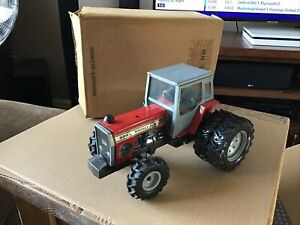 Ertl Massey Ferguson 699 Tractor, 1/16 scale Rare  Boxed Rare Missing Exhaust