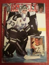 Beckett Hockey #26 December 1992 Manon Rheaume, 1st Lady of Hockey on cover.