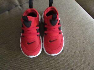 Nike Presto University Red CU4868 600 Toddler Boy's Size 10 Slip On Shoes NEW