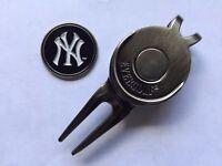MLB New York Yankees Golf Ball Marker and Magnetic Divot Tool