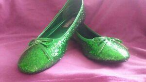 St Patrick's Day /Green Slip-on Flats - Size 9 M elf Santa Christmas