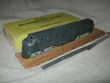 A5437 HO HOBBYTOWN OF BOSTON, metal UNDECORATED EMC E7A DIESEL LOCOMOTIVE