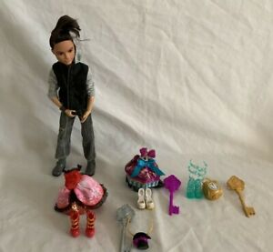 Ever After High Hunter Doll & Three Girl Doll Outfits