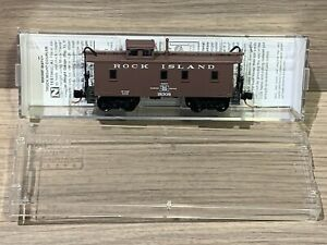 N Scale Micro-trains Rock Island 34' Wood Sheathed Caboose 051 00 140 RI 183008