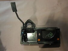 PEDAL FRAME GAS PEDALS PETAL MOUNT LAND ROVER DISCOVERY II 99 00 01 02 03 04 3B