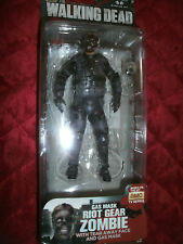 THE WALKING DEAD SIRIES 4 GAS MASK RIOT GEAR ZOMBIE WITH TEAR AWAY FACE