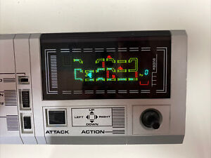 FL FRISKYTOM Bandai Electronics 80s Flourescent Lamp VFD Handheld Game WORKING