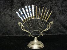 Antiker Metall Halter mit 12 x Messer - 6 Obstmesser + 6 Buttermesser - um 1900