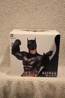 DC Comics Statue DC Super Heroes Collectibles  52 Batman Bust New