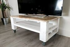 Farmhouse Style Reclaimed Wood TV Stand TELE ALUS Pallet Coffee Table