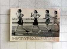 1951 Mrs Joyce Heath Leading The Field To Win 1600 M Walk