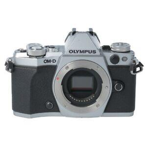Olympus OM-D E-M5 Mark II silber Gehäuse, MESSE nur ca. 28400 Auslösungen #7644