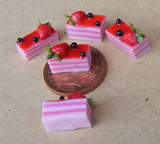 1:12 Scale 5 Strawberry Slice Cakes Dolls House Kitchen Food Accessories PL90