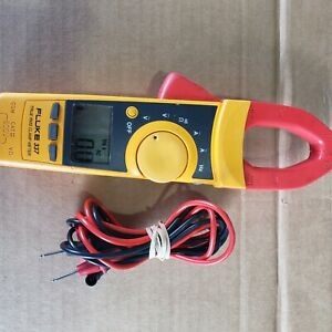 Fluke 337 TRMS Clamp Meter with Fluke Leads