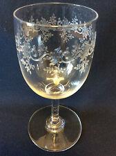 Baccarat ± 12,5cm modèle Sévigné Verre à vin décor feuillage fin XIXe début XXe