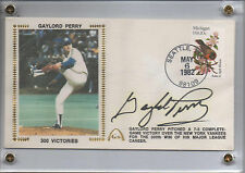 "GATEWAY GAYLORD PERRY SIGNED ""300 VICTORIES"" CACHET SET (2)"