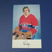 KEN DRYDEN  1976-77  Montreal Canadiens team color postcard  1976 1977  HOF RARE