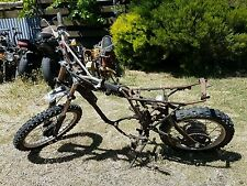 Yamaha yz 125 wrecking all parts available  ( this action is for one bolt only)