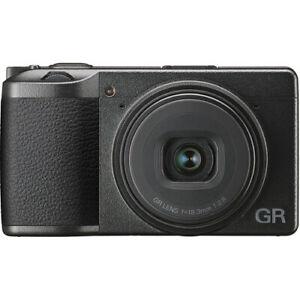 Ricoh GR III Fotocamera APS-C 24 megapixels, 19mm f/2.8 - Garanzia Fowa 4 anni
