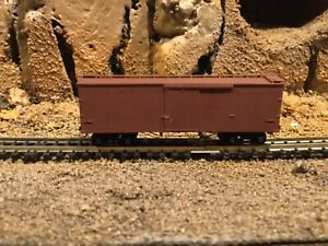 N scale Micro trains 40' wood sided boxcar unbranded