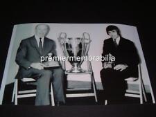 MANCHESTER UNITED FC 1968 EUROPEAN CUP TROPHY GEORGE BEST & MATT BUSBY