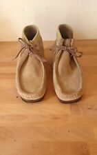 CLARKS ORIGINALS WALLABEE Chukka Boot Sand Suede Taupe, Size 10M, Women's, 35385