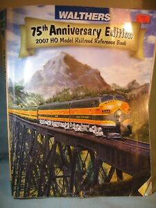 WALTHERS HO RAILROAD CATALOG 2007, 1032 PAGES,  USED