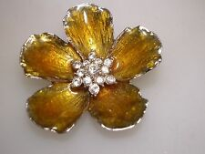 BEAUTIFUL VINTAGE E. PEARL ENAMEL & SPARKLING RHINESTONE FLOWER PIN!