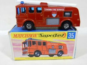 MATCHBOX SUPERFAST MB35 MERRYWEATHER FIRE ENGINE MT RED, MINT IN GOOD BOX